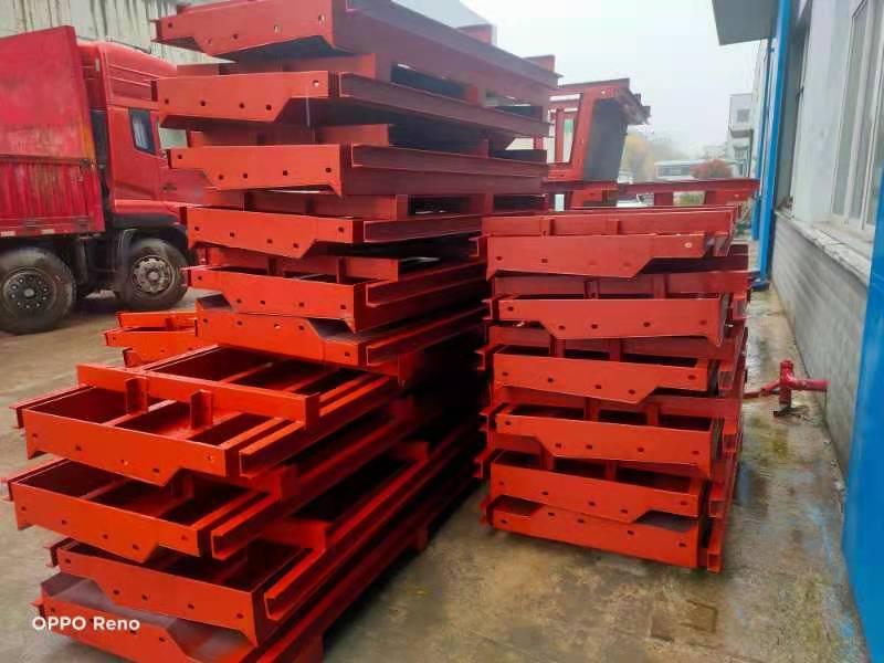 今日发往宜昌安福劳务有限公司枝江项目工地空心板及空心板芯模